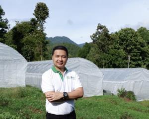 ซีพีจ้างคนตกงานเข้าทำงานที่ศูนย์เพาะชำกล้าไม้ฟื้นฟูป่าฯ อ.แม่แจ่ม จ.เชียงใหม่