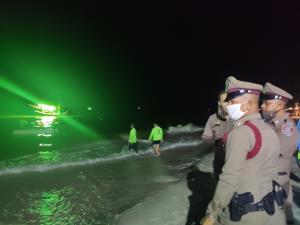 เรือตกหมึกล่มทะเลหัวหินสูญหาย 2 ราย เจ้าหน้าที่ระดมกำลังกว่า 100 ชีวิตค้นหายังไร้วี่แวว