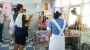 หามส่งโรงพยาบาลกันวุ่น..ทั้งเด็ก-ผู้ใหญ่คนพะเยากินข้าวเหนียวสังขยาเกิดท้องร่วงระนาวกว่าครึ่งร้อย