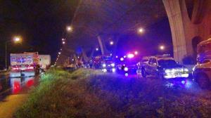 หวิดย่างสด! แท็กซี่พุ่งชนราวสะพานไฟลุกท่วมบนถนนบางนา-ตราด กม. 42 ย่านบางวัว