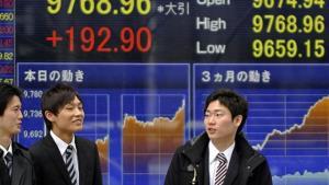ตลาดหุ้นเอเชียผันผวน วิตกสหรัฐฯ ล็อกดาวน์รอบใหม่หลังยอดโควิดพุ่ง