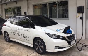 """ครั้งแรกในไทย """"กฟผ.-นิสสัน"""" ทดสอบจ่ายพลังงานจากแบตเตอรี่รถยนต์ไฟฟ้ามายังระบบไฟฟ้าสำเร็จ"""