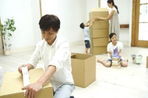 จะอยู่หรือไป...เมื่อคนญี่ปุ่นต้องเลือกระหว่างงานกับครอบครัว