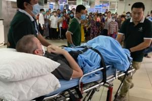 เวียดนามยินดีทั้งประเทศ นักบินอังกฤษป่วยโควิดหนักสุดได้ออกจาก รพ. บินกลับประเทศแล้ว