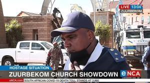 In Clip: ระทึก!! ยิงปะทะ-จับตัวประกันที่โบสถ์ชื่อดังในแอฟริกาใต้ ดับ 5 ถูกจับร่วม 40 มีทั้งตำรวจ-ผู้คุมเรือนจำ