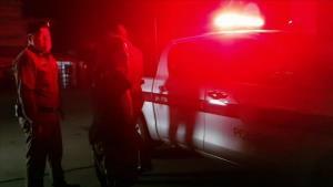 สาวลำปางบึ่งเก๋งฝ่าไฟแดงหนีตายข้ามอำเภอ โดนทั้งสาวแท้-สาวเทียมรุมตบกลางโอเกะพื้นที่แม่เมาะ