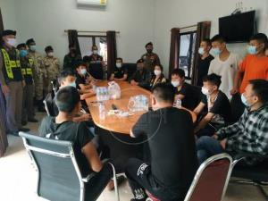 รวบ 16 ชาวจีนหนีพิษโควิดบ่อนเมียวดีปิด เสี่ยงตายว่ายน้ำเมยลอบเข้าไทย