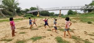 อึ้ง! น้ำยมแห้งขอดกลายเป็นสนามบอลกลางฤดูฝน นาข้าวทั้งพิจิตรทำนาปีได้แค่ 26%