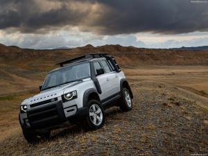 Land Rover Defender พร้อมลุยตลาดบ้านเราทั้งตัวถัง 3 และ 5 ประตูกับราคาเริ่มต้น 5.4 ล้านบาท