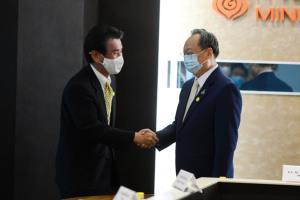 """ธุรกิจญี่ปุ่นรุดหารือ """"สนธิรัตน์"""" สนลงทุนด้านพลังงานในไทยเพียบ"""