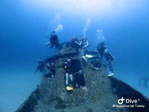 """""""วราวุธ ทส."""" เตือนนักท่องเที่ยวนั่งถ่ายภาพบนซากเรือ ต้นเหตุทำลายทรัพยากรปะการัง สั่งกรมทะเลฯ ตรวจสอบพร้อมเร่งประกาศมาตรการท่องเที่ยวดำน้ำ"""