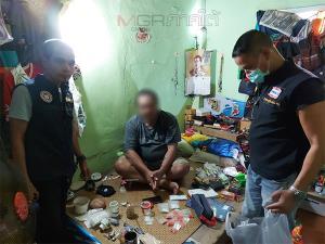 ตร.สนธิกำลังบุกจับหนุ่มพัทลุงพร้อมยาเสพติด สารภาพรับซื้อต่อมาจากหลานชาย