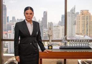 นางสาวฐาปนีย์ เกียรติไพบูลย์ รองผู้ว่าการด้านสินค้าและธุรกิจท่องเที่ยว การท่องเที่ยวแห่งประเทศไทย