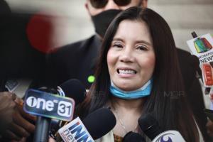 """ศาลจำคุก """"กานต์-เมีย เสกโลโซ"""" 5 ปี ปรับ 2 แสน แต่ให้รอลงอาญา โพสต์ข้อความหมิ่น """"อีฟ แม็กซิม"""""""