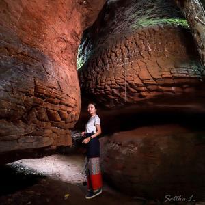 ลวดลายหินเกล็ดพญานาคแห่งถ้ำนาคา (ภาพ : เพจ Buengkan day)