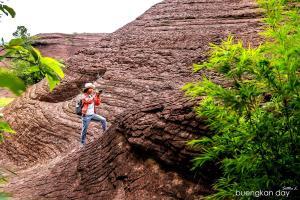 หินทรายแห่งภูลังกา (ภาพ : เพจ Buengkan day)