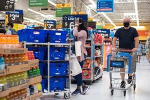 """In Clip: """"ห้างวอลมาร์ท"""" ทนไม่ไหวออกกฎด่วนให้ลูกค้าสวมหน้ากากเข้าร้านหลังเคสโควิด-19 พุ่งไม่หยุดในสหรัฐฯ"""