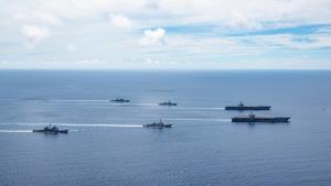 In Clip: ยั่วจีน?? สหรัฐฯส่งเรือบรรทุกเครื่องบิน USS โรนัลด์ เรแกน และ USS นิมิตซ์ ซ้อมรบร่วมเป็นครั้งที่ 2 กลางทะเลจีนใต้
