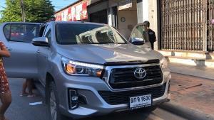 แห่ส่องทะเบียนรถหญิงกัมพูชาคลอดลูกกลางทางหลังปวดท้องทนไม่ไหวจนต้องคลอดในรถ