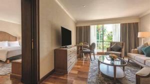 โรงแรมหรูห้องเต็ม ไม่พอใช้กักตัว โยกใช้สเตท ควอรันทีนแต่ให้จ่ายเงินเอง เล็งหาเพิ่มพันห้อง