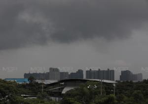 ฝนเพิ่มขึ้น! เตือน 15 จังหวัดอีสาน-ตะวันออก ฝนตกหนัก กทม.- ปริมณฑล เมฆมากร้อยละ 30