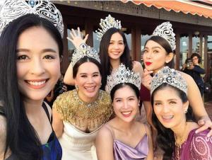 """วิบวับนึกว่างานรวมรุ่นนางสาวไทย!! ที่แท้ปาร์ตี้ฉลองคำนำหน้า """"ด็อกเตอร์"""" นก-ชลิดา ตันติพิภพ"""