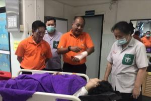 หวิดสิ้นชื่อ! รถผู้ว่าฯ ชัยภูมิถูกเก๋งยางแตกพุ่งชนพังยับ บาดเจ็บ 6 เด็ก 2 ขวบสาหัส