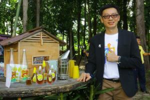 อว.ส่งวิศวกรสังคมช่วยชุมชนสุราษฎร์เลี้ยงผึ้ง