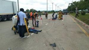 สุดสลด! กระบะชาวแม่สอดชนรถบรรทุกพม่าสนั่นแยกวัดใจ 7 ชีวิต ดับ 2 เจ็บยกคัน
