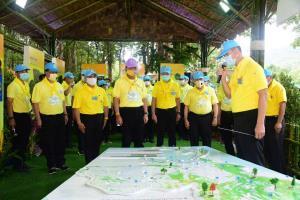 """วันเดียว 15,000 ต้น!! """"นายกฯ ประยุทธ์"""" นำทีมปลูกป่า 68  ไร่  เพิ่มพื้นที่ป่าประเทศไทย"""