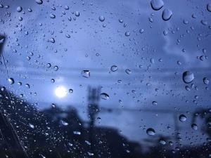 กรมอุตุฯ เผยภาคเหนือ-อีสาน ฝนฟ้าคะนองต่อเนื่อง 30-60% ใต้ตกหนักบางแห่ง