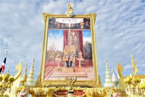 """""""อัศวิน"""" นำพสกนิกรไทยพร้อมใจร่วมกิจกรรมเฉลิมพระเกียรติ เนื่องในโอกาสวันเฉลิมพระชนมพรรษาพระบาทสมเด็จพระเจ้าอยู่หัว"""