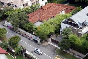 บ้านพักเก่าแก่ของอดีตนายกรัฐมนตรี ลี กวนยู บนถนนออร์ชาร์ด ซึ่งกลายมาเป็นปมเหตุทะเลาะวิวาทในหมู่พี่น้องตระกูลลี