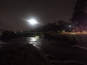 """พายุซินลากูพ่นพิษ..""""เชียงใหม่-ลำปาง-น่าน"""" อ่วม น้ำป่าทะลักท่วม-ถนนขาด-พนังแตก-ดินสไลด์-สะพานพัง"""