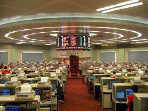 ตลาดหุ้นเอเชียผันผวน นักลงทุนวิตกความสัมพันธ์สหรัฐฯ-จีนตึงเครียด