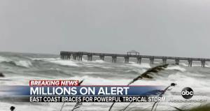 "In Clip: ศูนย์เฮอริเคนสหรัฐฯเตือน ""พายุโซนร้อนอีซาเอียส"" คาดมีกำลังเทียบชั้นพายุเฮอริเคน ก่อนขึ้นฝั่งรัฐเซาท์แคโรไลนา"