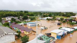 น้ำท่วมเชียงรายหนักมากกว่าที่คิด พบบ้านจมบาดาลแล้วกว่า 10,000 หลัง