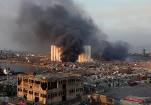 In Pics : ระเบิดใหญ่กลางท่าเรือ 'เบรุต' ทำบ้านเรือนพังพินาศ คนตาย 78 ศพ-เจ็บเกือบ 4 พันคน