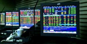 หุ้นปรับขึ้นตามตลาดทั่วโลก หลังดอลลาร์อ่อนค่า หนุนลงทุนสินทรัพย์เสี่ยง