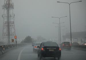 อุตุฯ เตือน เหนือ-อีสาน-ตะวันออก ฝนตกหนัก เสี่ยงน้ำป่า-น้ำท่วมฉับพลัน คลื่นทะเลสูงเกิน 2 ม.