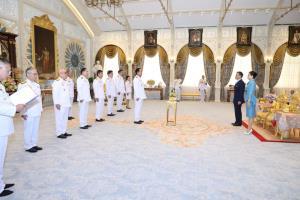 ในหลวง พระราชทานพระบรมราชวโรกาสให้นายกฯ นำ ครม.ใหม่เข้าเฝ้าฯ ถวายสัตย์ปฏิญาณก่อนเข้ารับหน้าที่