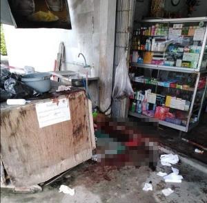สุดโหด! คนร้ายเมืองระยองใช้อาวุธมีดแทงยับเจ้าของร้านขายของชำ ดับ 1 สาหัส 1