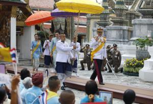 ในหลวง-พระราชินี ทรงบำเพ็ญพระราชกุศล เนื่องในวันเฉลิมพระชนมพรรษาพระบรมราชชนนีพันปีหลวง