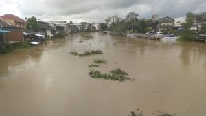 สถานการณ์น้ำป่าเทือกเขาสระบาป จ.จันทบุรี เริ่มคลี่คลายหลังไม่มีฝนตกซ้ำ