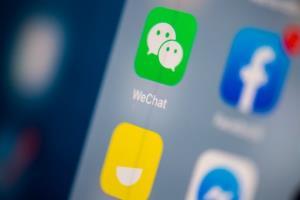 """แอปเปิลมีเสียว! ชาวจีน 95% เตรียมทิ้ง """"iPhone"""" หาก """"WeChat"""" โดนแบน"""