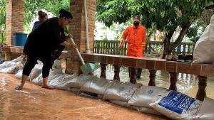 ฝนตกต่อเนื่องดันน้ำโขงหนองคายสูงสุดรอบปีนี้ ทั้งเกิดน้ำท่วมบ้าน-ถนนพื้นที่ลาดต่ำ
