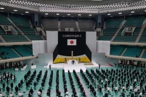 ชั่วขณะแห่งความนิ่งเงียบสงบ เมื่อญี่ปุ่นรำลึก 75 ปีสงครามโลกครั้งที่ 2