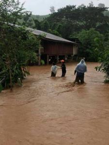 สลด! น้ำป่าทะลักท่วม 4 อำเภอเมืองน่าน ชาวบ้านถูกกระแสน้ำพัดสังเวยชีวิตแล้ว 1