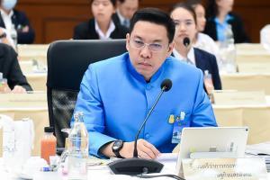 """""""พุทธิพงษ์"""" ไม่หวั่นเฟซบุ๊กฟ้องเหตุบล็อกเพจหมิ่น ลั่นต้องเคารพกฎหมายไทย เชื่อไม่กระทบลงทุน"""