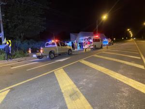 อุบัติเหตุสยอง! รถกู้ภัยทางหลวงพุ่งชนพ่วง 18 ล้อจอดข้างทางดับ 3 สาหัส 1